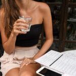 Regularne picie wody to wybór i świadomy dobry nawyk.